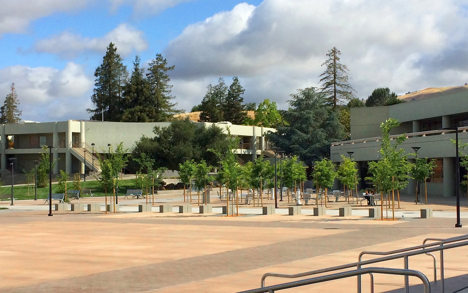 Evergreen Valley College Arts Plaza and Central Green 04